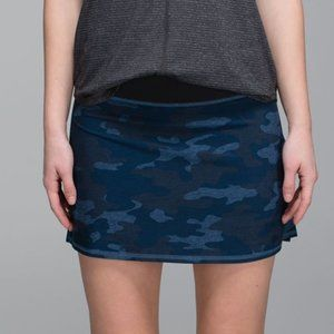 Lululemon Run Pace Setter Skirt Camo Oil Blue 2Tal